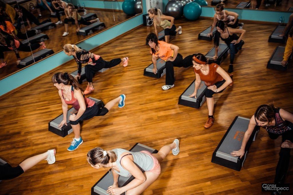 Фитнес для девушек и женщин - Body Make (Кардио и силовые тренировки)