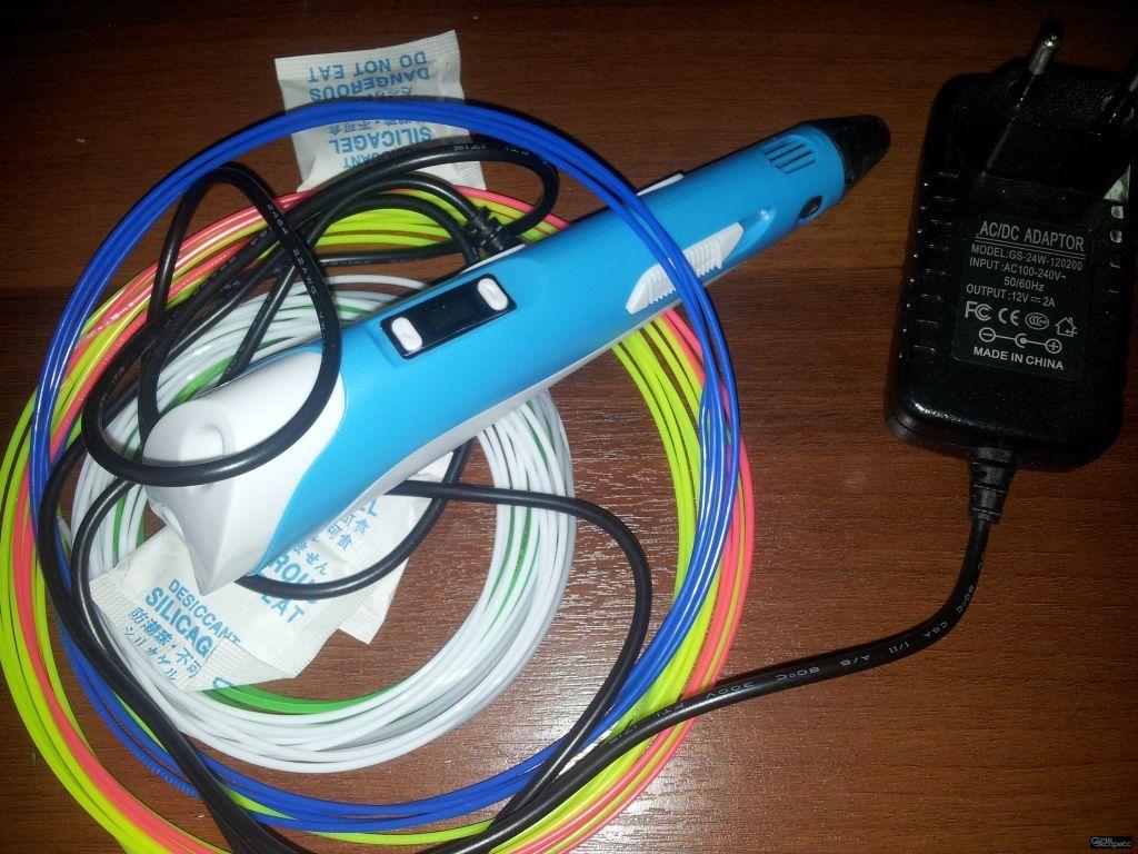 Продам 3 D ручку, новая с пластиком. Сенсорное табло, используются разные виды пластика, есть регули