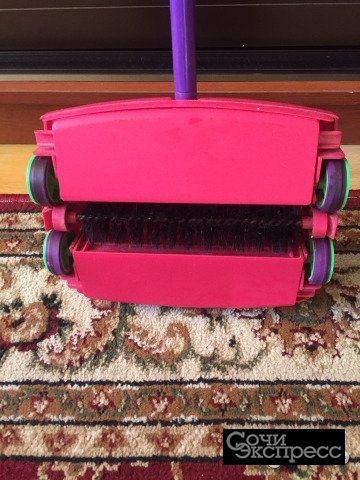 Механическая щётка для чистки ковров