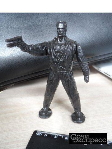 Фигурка Терминатор Шварценеггер из СССР пластик
