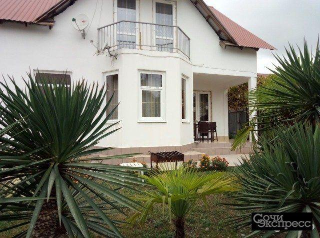 Дом 180 м² на участке 3 сот.