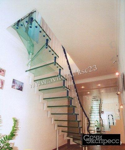 Лестница больцевая стеклянная