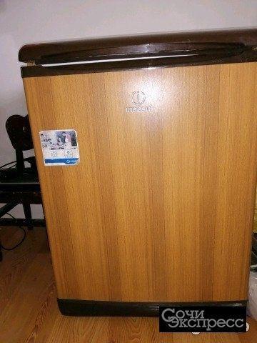 Холодильник индезит маленький