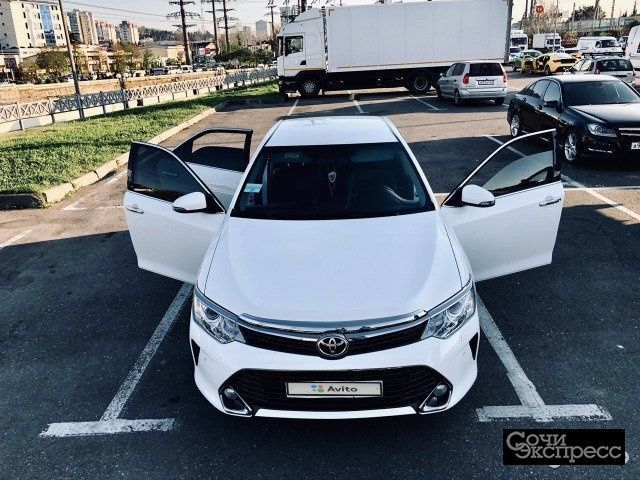 Toyota Camry 2.5AT, 2015, седан