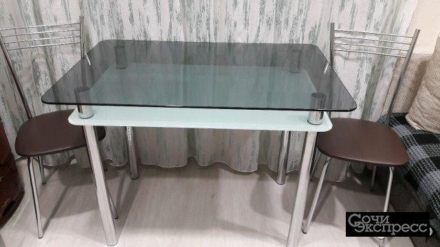 Стол и 3 стула