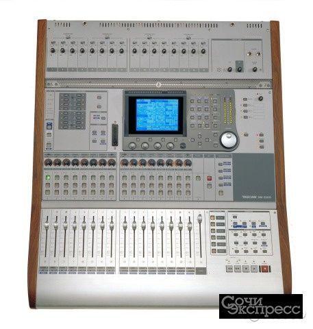 Цифровой Микшер Tascam DM-3200