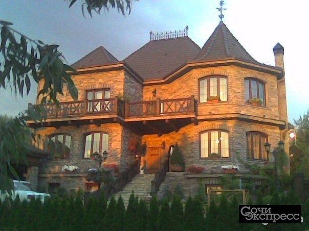 Дом 428 м² на участке 14 сот.