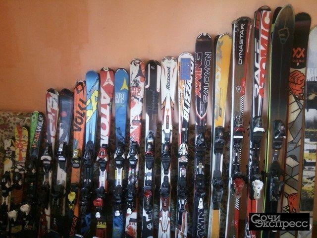 Горные лыжи, сноуборды, ботинки