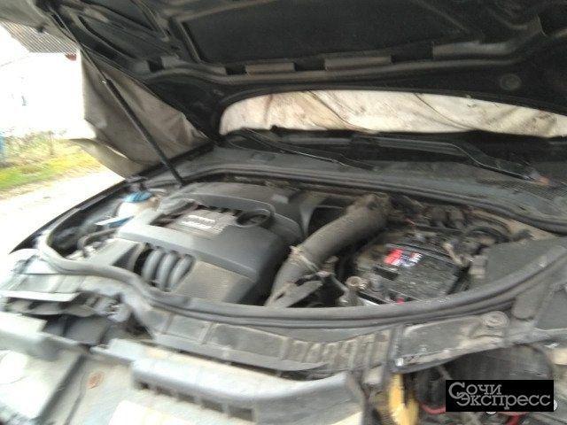Audi A3 1.6AMT, 2009, хетчбэк, битый