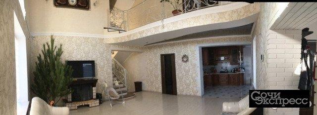 Дом 190 м² на участке 3 сот.