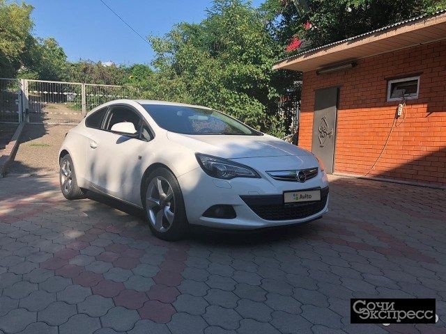 Opel Astra GTC 1.4 AT, 2012, купе