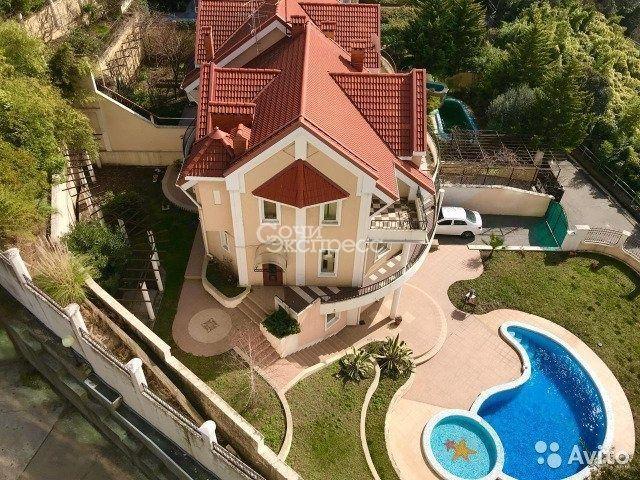 Дом 260 м² на участке 7.5 сот.
