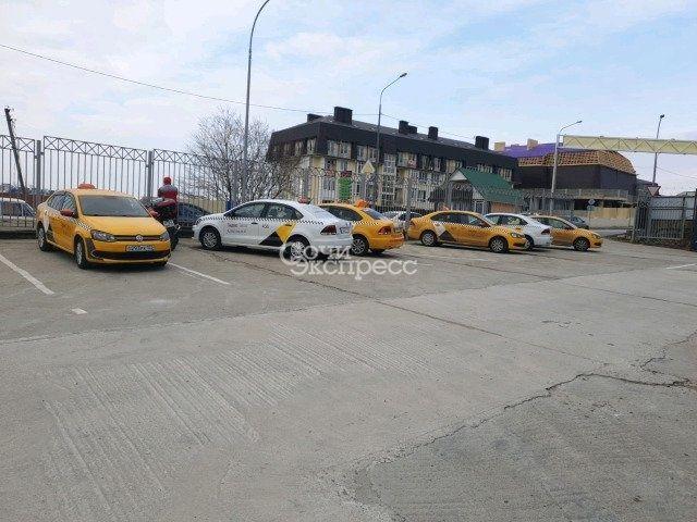 Водитель в такси на заработанную плату 40/60